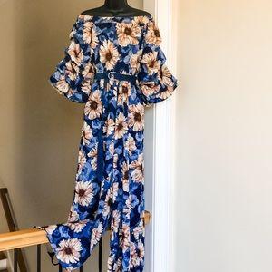 BLU HEAVEN sz S floral jumpsuit NWT professional